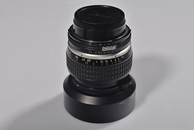 转让尼康手动50mm f1.2镜头