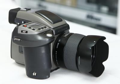 打包出一套 (哈苏H1 + 镜头)  成色新  不单卖  有意者可详谈