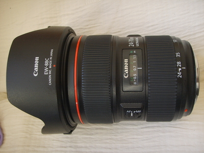 佳能24-70  F2.8二代镜头94新左右8500