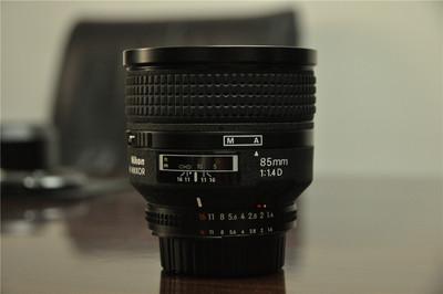 尼康 85mm  f/1.4D IF