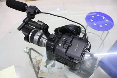 索尼 NEX-FS100 高清 专业摄像机 9新