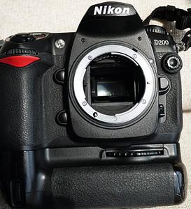 尼康AFS 12-24镜头+D200相机+原厂手柄+4G卡+包装+D300说明书