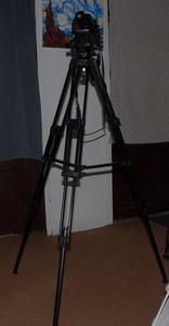 出索尼 VCT-1170RM专业三角架两个
