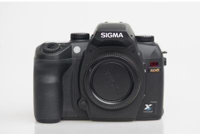 德版SD15(带镜头2500)+DP2(卡机900)2台机器套卖