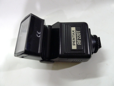 一个宾得220T三触点低压自动闪光灯