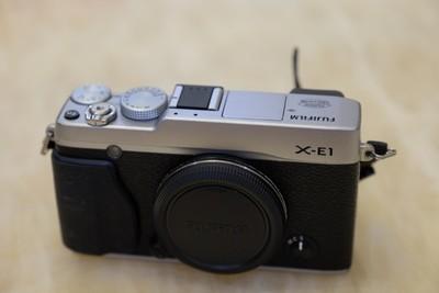 自家用90新富士 X-E1出售