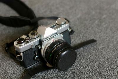 奥林巴斯om1+28mm f3.5与福伦达bessamatic+50mm f2.8