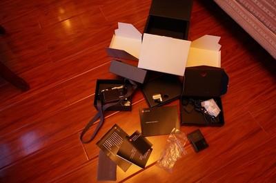个人自用的徕卡 X2 另有取景器和皮套备用电池