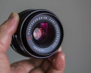 德国 Carl Zeiss Jena Flektogon 2.4/35 MC镜头