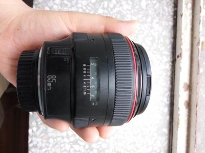佳能 EF 85mm f/1.2L USM 一代