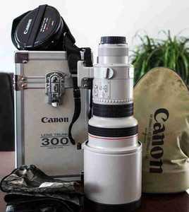出自用带全部包装的佳能EF300f2.8镜头(328)