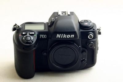 经典名机尼康F100胶片相机,请看图片!