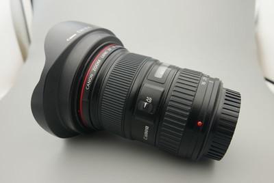 90新佳能EF16-35/2.8一代镜头,带原装遮光罩