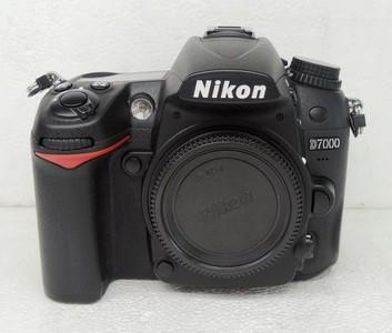 尼康D7000+SB-600闪光灯+ 尼康18-105VR成色完美