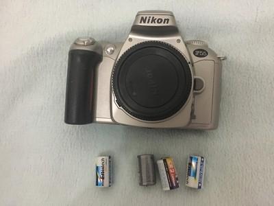 尼康F55胶片机 98新 ¥180 送适马24-105