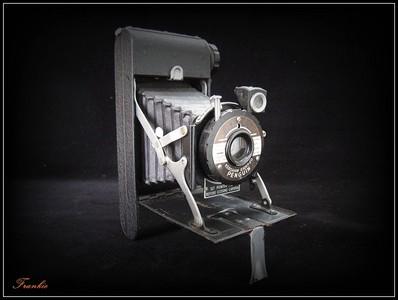 英国【PENGUIN】Kershaw EIGHT-20 折叠式120旁轴相机