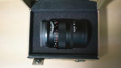 中一光学50mm,F0.95,3月购买仅试镜,箱说全。