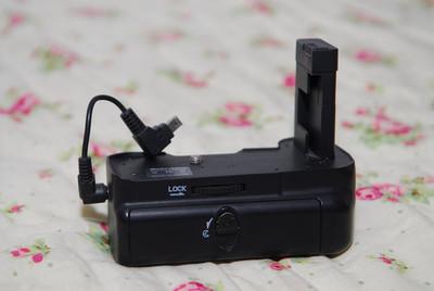 美科 MK-D3100,尼康D3100单反手柄,95元