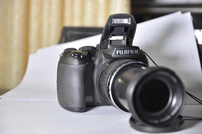 出售自用摄月神器--富士HS22专业长焦机