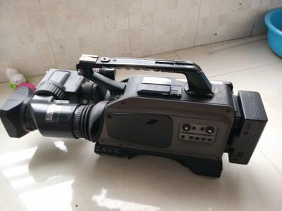 松下AJ-D215HE专业摄像机