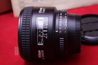 尼康 AF 85mm f/1.8D,18 105VR
