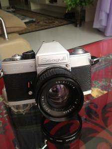我国第一款内侧光海鸥DF135---104胶片单反相机,可以收藏