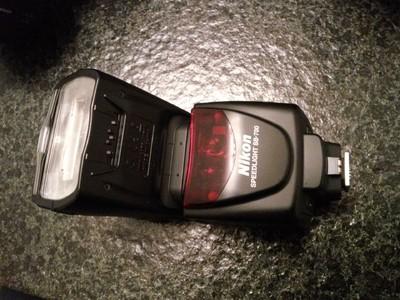 打包出售长期闲置尼康摄影设备(相机、镜头、闪光灯)