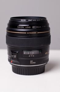 自用佳能 EF 85mm f/1.8 USM
