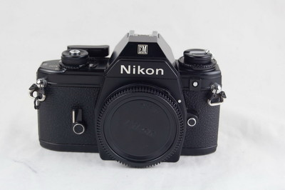 尼康 EM Nikon EM