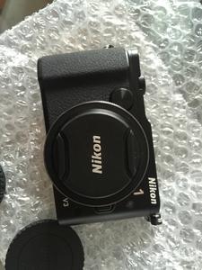 尼康 V3带10 2.8定焦镜头