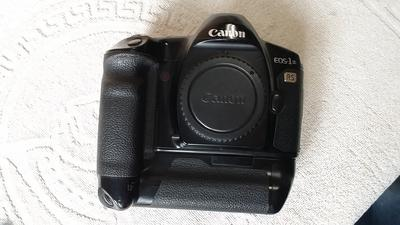 佳能 EOS1N RS、1N、50E、300等11个胶片相机,价格80-1850元