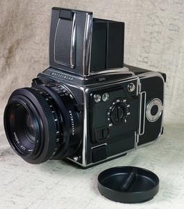 120单反名机Hasselblad 201 F比美503CW 80mm/2.8标头+腰平取景器