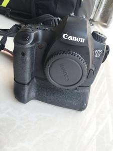 佳能 6D单机+手柄+防震防潮相机包+4快电池+32/64内纯卡