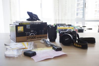 尼康 D7000配套镜头18-105+一个尼康50mm 1.8g镜头