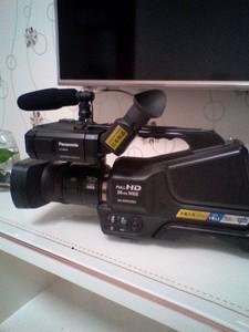 松下(Panasonic) HC-MDH2GK-K 肩扛式数码摄像机