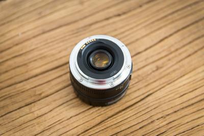 佳能 EF 24mm f/2.8