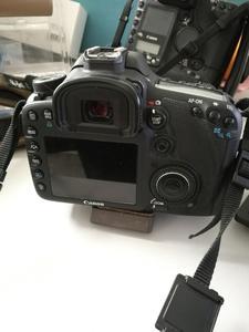 出售自用佳能 7D和原装18-135镜头