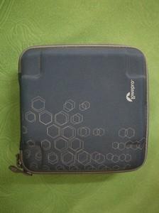 Lowepro硬盒一个