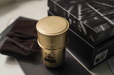 Lomography Petzval 85mm F2.2  黄铜定焦人像艺术镜头  旋转焦外