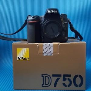 灭门出尼康 D750